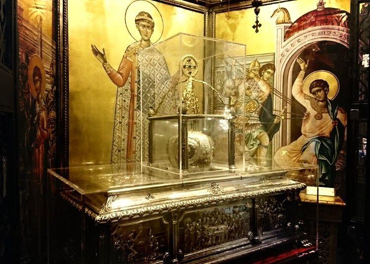 Мощи святого Димитрия Солунского источают миро с самых древних времен.