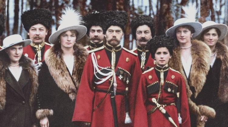 За что прославили в лике святых императора Николая II и его семью?