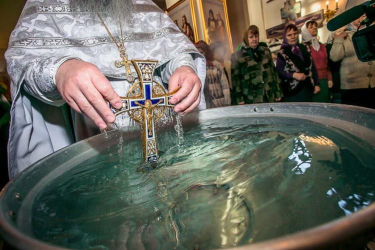Зачем нам нужна Святая вода? О Крещенской воде